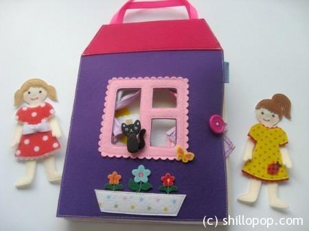 Домик-книжка для куклы