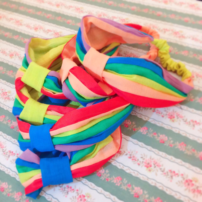 <六色彩虹-伴我行>純手創彩虹髮帶