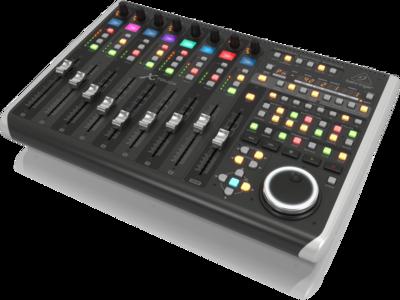 Behringer X-TOUCH - компактный Ethernet/USB/MIDI- контроллер DAW, 9 моториз.фейдеров 100 мм, 8LCD, индикатор времени, HUI, Mackie Control