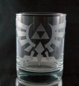 Legend of Zelda Hylian Crest Etched Glass C-002