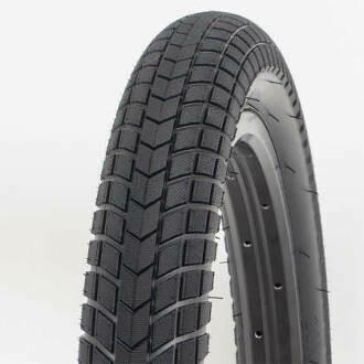 relic flatout tyre