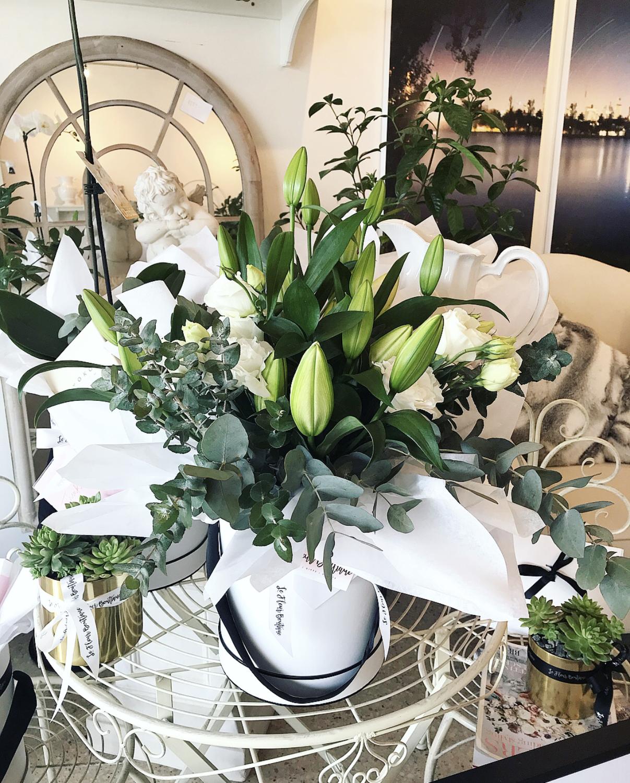 Small hat box - Oriental Lilies