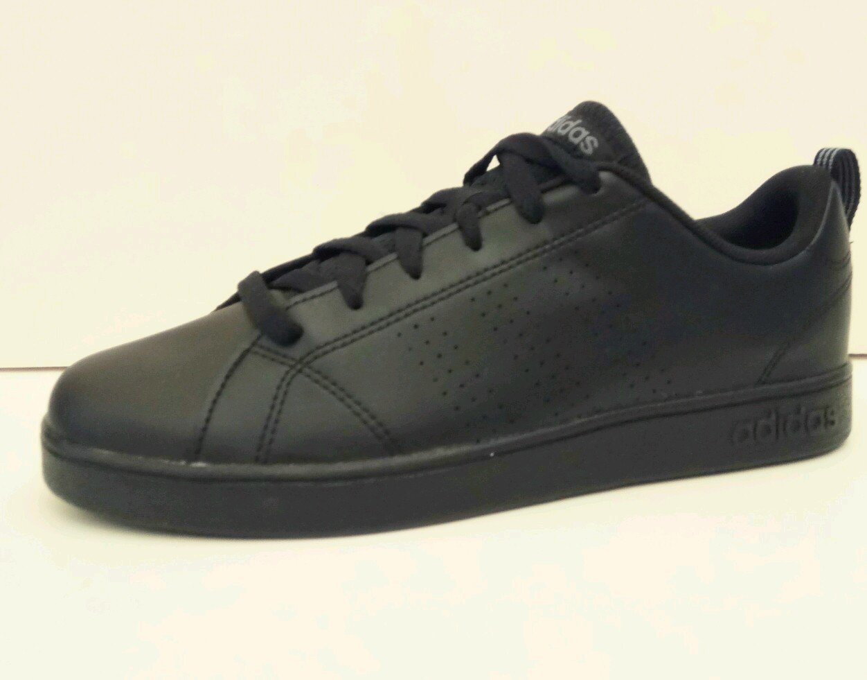 מודיעין נעלי אופנה אדידס שחורות DZ-98