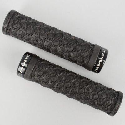 Pivot Cycles Lock-On Grips