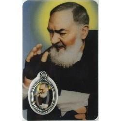 Pater Pio met Medaille en Gebed