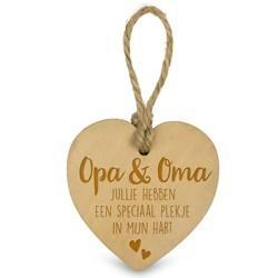 Opa & Oma  - Houten Engeltje met Koordje     15 x 2.5 x 20 cm   € 1.99