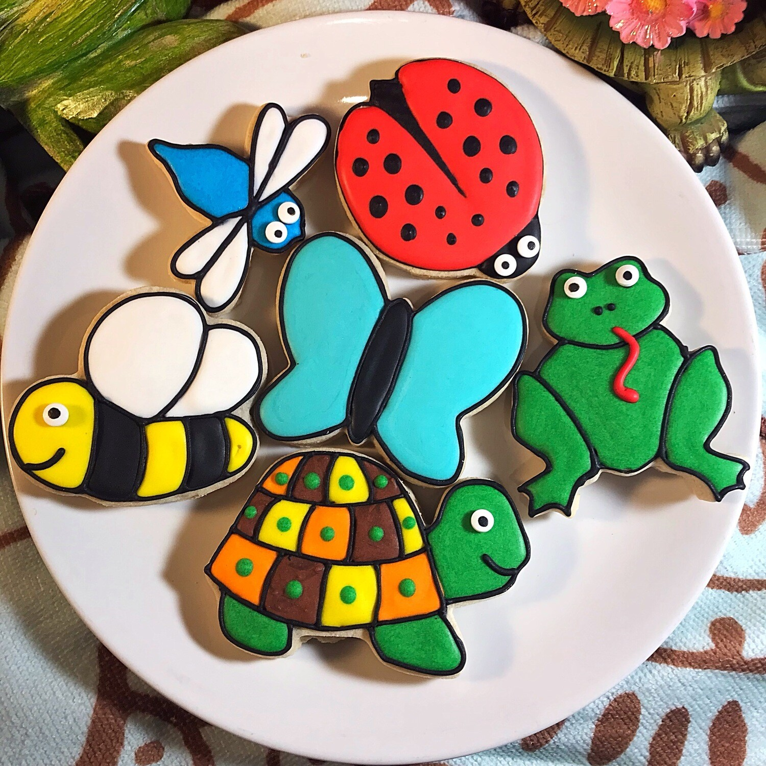 CUTE CRITTERS Decorating Workshop - FRIDAY, AUG 2, 2019 at 6:30 p.m. (GOOD JUJU) BYOB