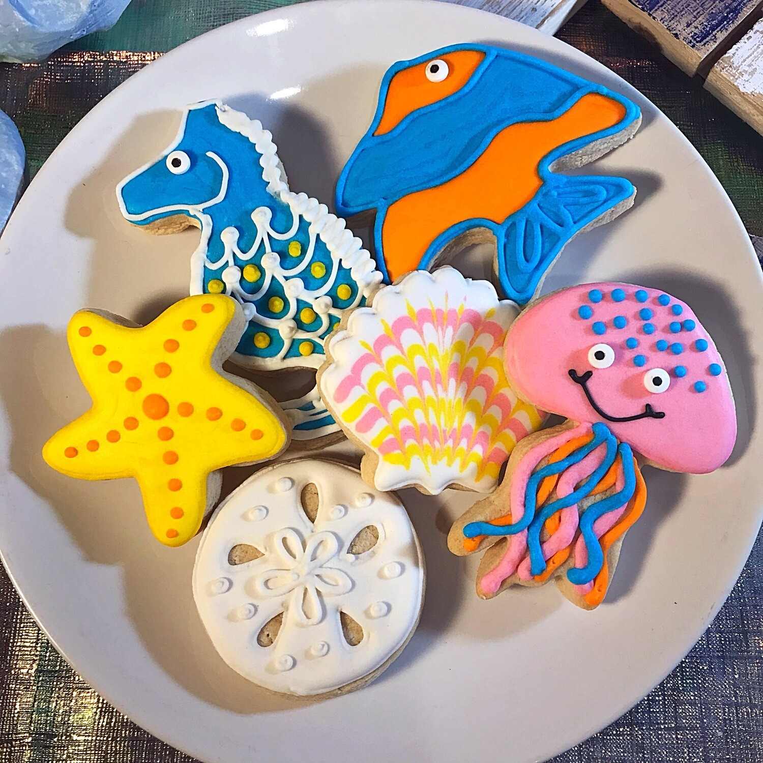 SEA SIDE Decorating Workshop - TUESDAY, JULY 30, 2019 at 2 p.m. (GOOD JUJU) BYOB