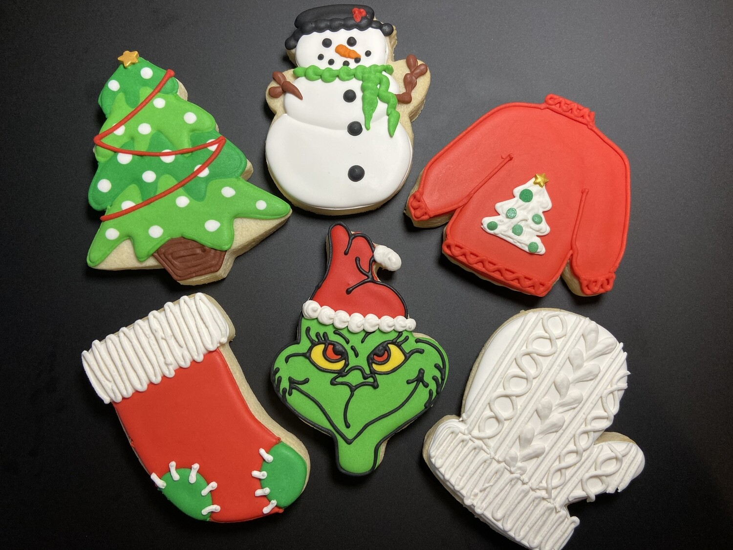 'A Grinch Christmas' Decorating Workshop - SUNDAY, DECEMBER 15, 2019 at 3:00 p.m. (THE POTPOURRI HOUSE)