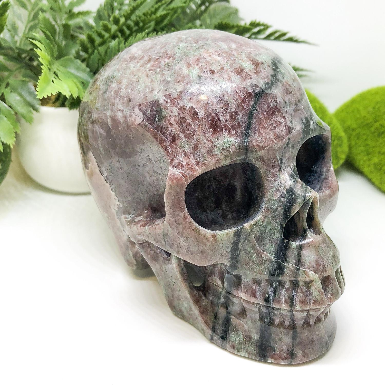 Garnet Skull