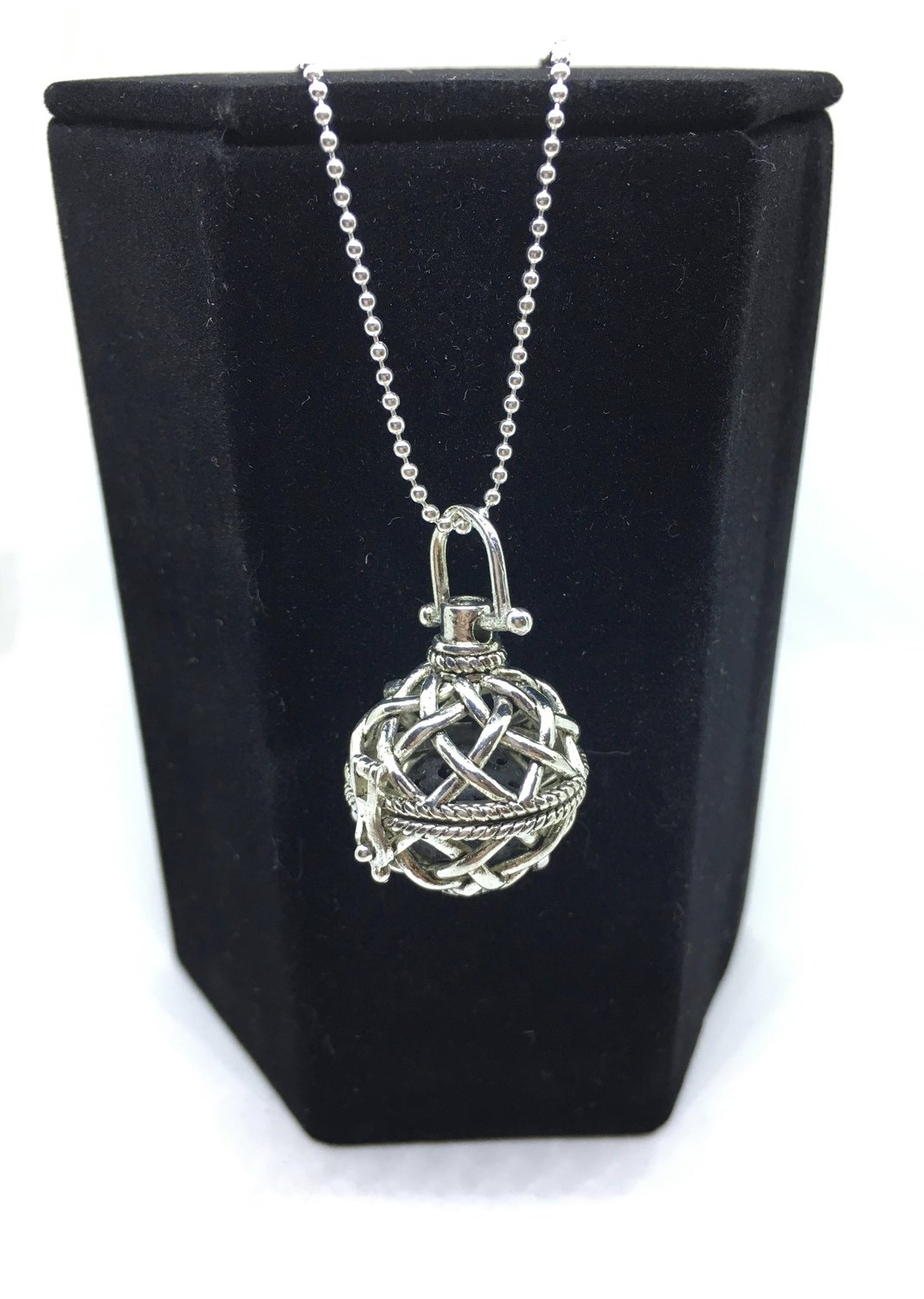 Lattice Diffuser Necklace