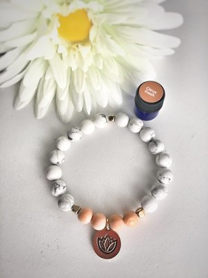 Howlite and Rosewood Aroma Bracelet