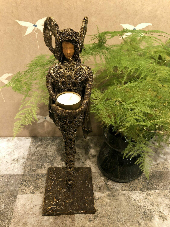 """Skulptur """"Golden Angel"""""""