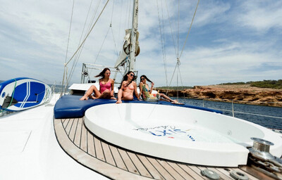 Ibiza Hot tub & BBQ catamaran