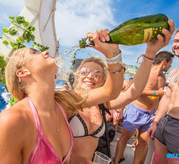 4hrs Open bar Ibiza boat party package