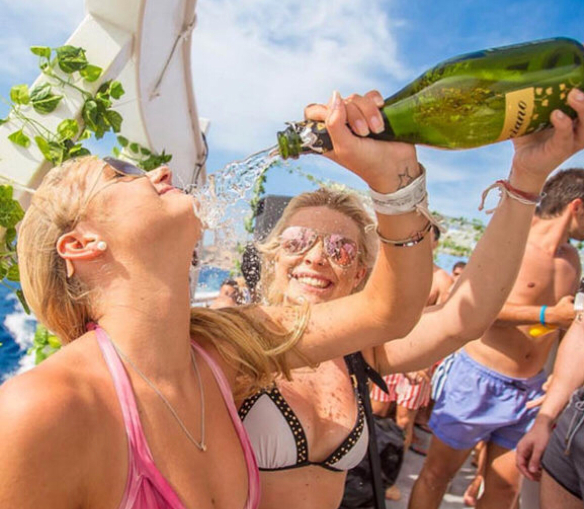 Padraig a friends 2019 Ibiza hen itinaty