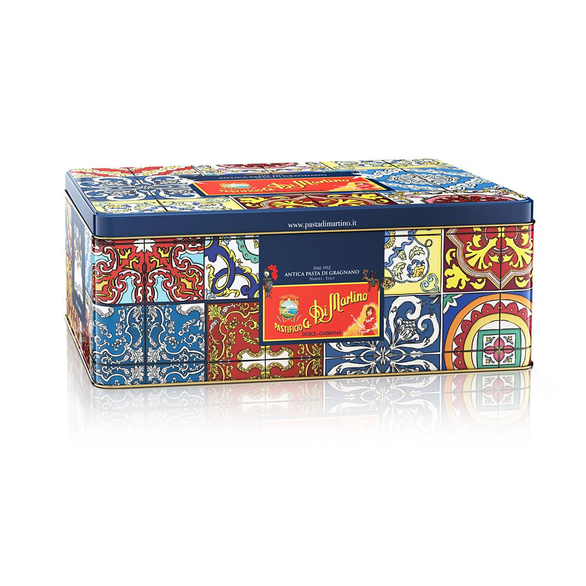 Подарочный набор, ДИ МАРТИНО Dolce & Gabanna фартук + макароны (5х500г) + жестяная коробка