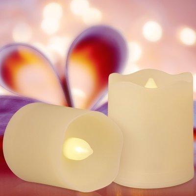 Set di 9 candele  a LED con timer, telecomando e batterie120 ore di illuminazione - spedizione compresa 2gg. lav.