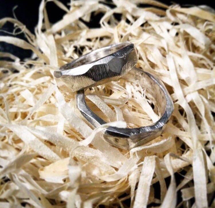 Толстые, широкие обручальные кольца