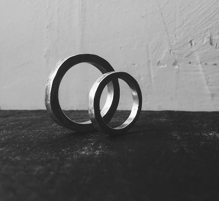Обручальные кольца квадратного сечения