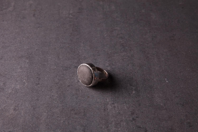 Серебряное кольцо с морским камешком