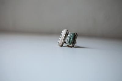 Серебряное разъёмное кольцо с двумя камнями