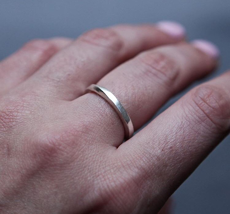 Серебряное перекрученное кольцо