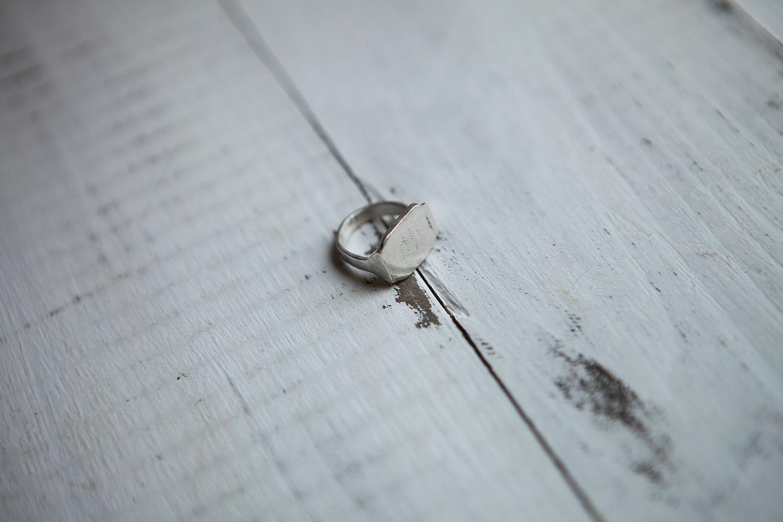Серебряное кольцо-печатка