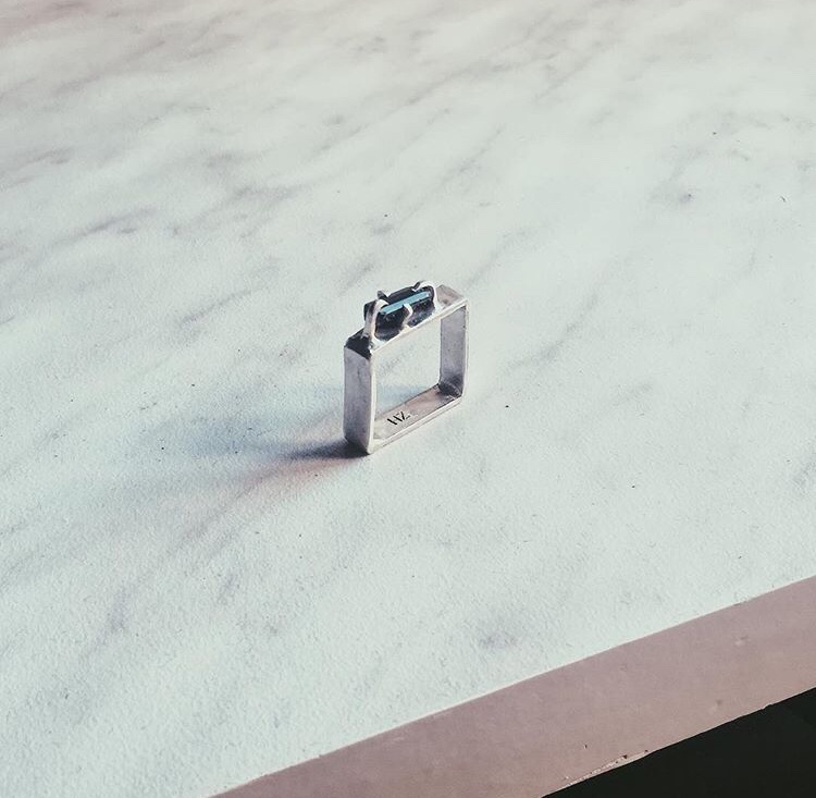 Квадратное кольцо с турмалином