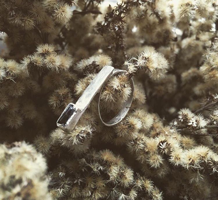 Кольцо с цирконом на палочке