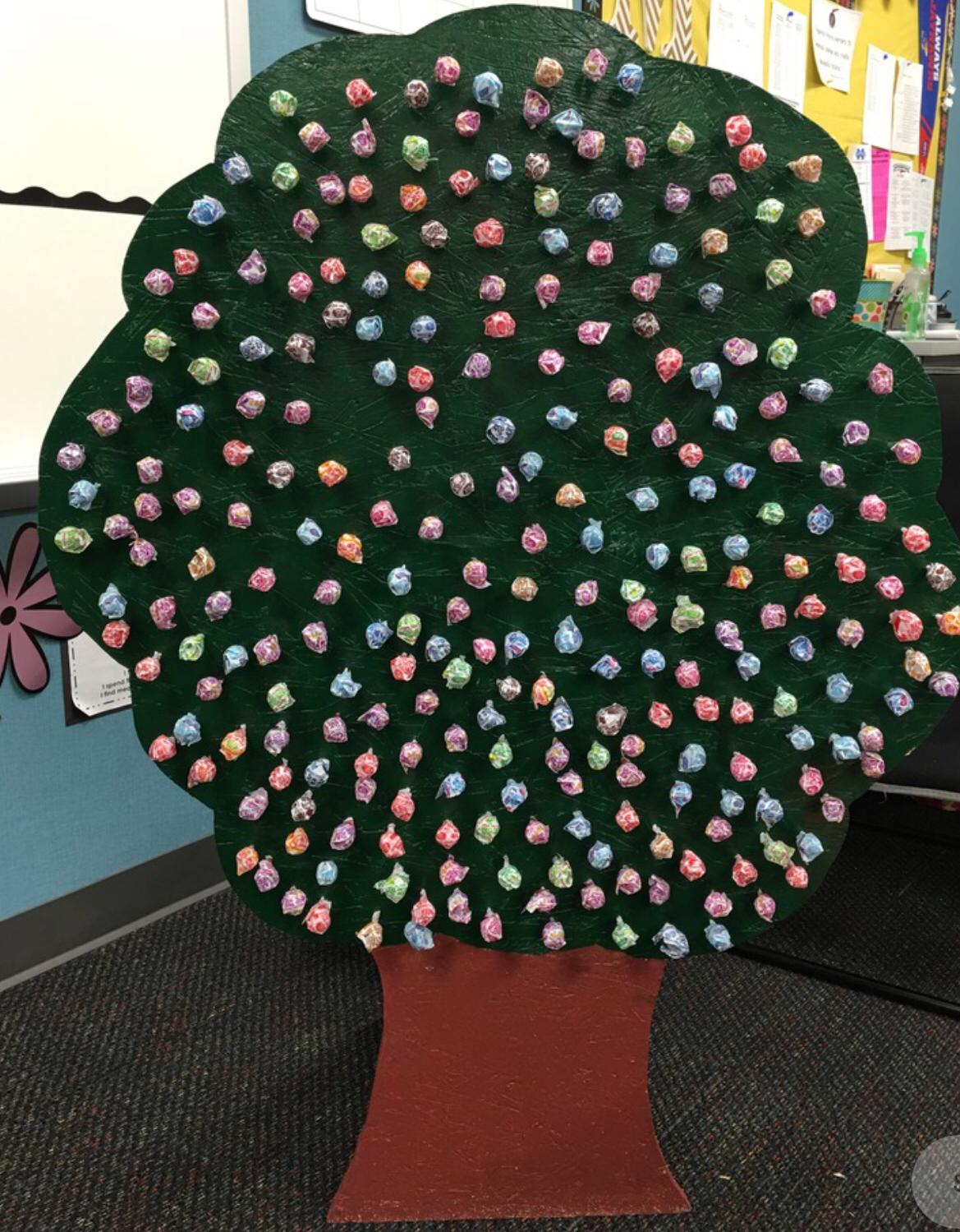 Booth - Dum Dum Tree (Ages 4+)