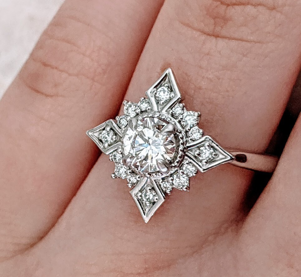Gorgeous 3/4 Carat Total Snowflake Design Sunburst Ring in White Gold Sz 7