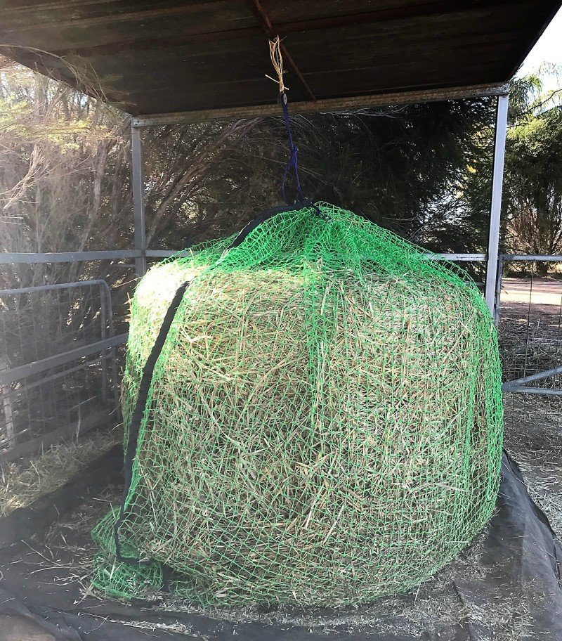 6x4 4cm GutzBusta Round Bale Hay Net in 60ply - Green no longer available