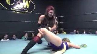 Brittany Blake vs Emily (Women's Pro Wrestling)