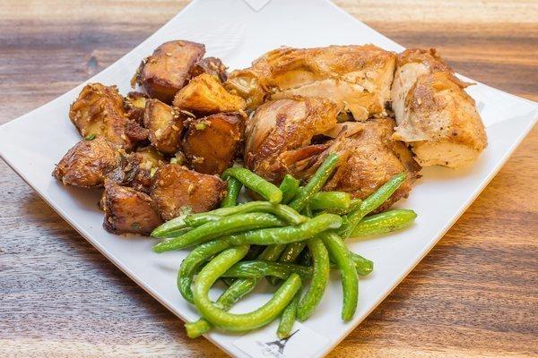Empire Chicken & Garlic Roasted Veggies 881