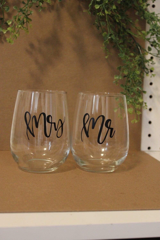 Two Wine Glasses - Mr & Mrs