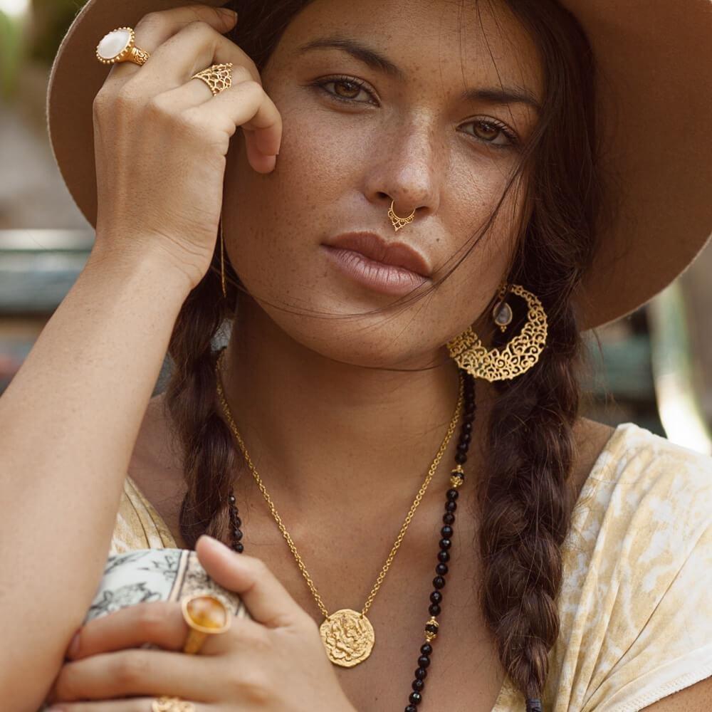 Amanapura Earrings • Moonstone 00023