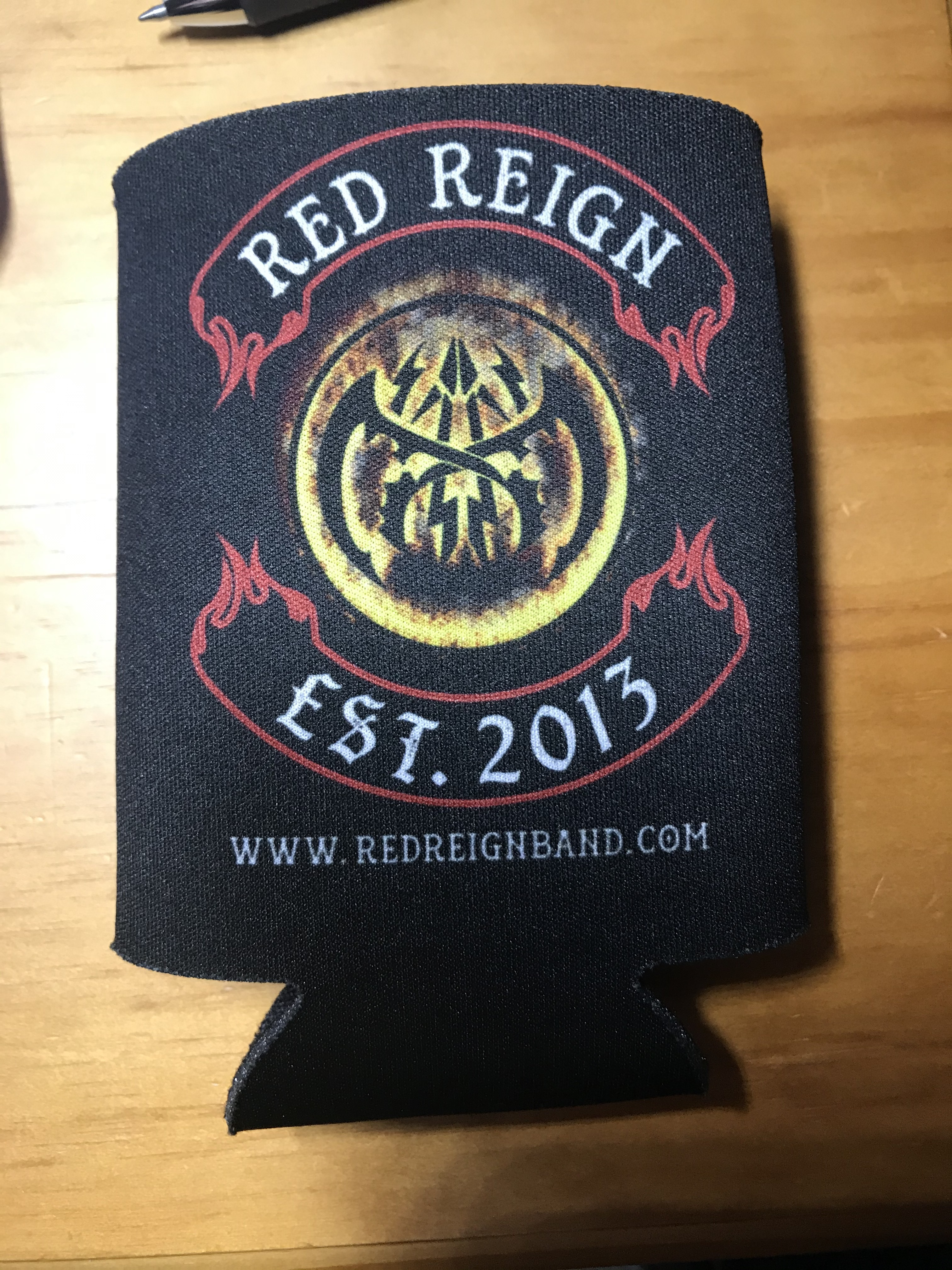 RED REIGN Coozy 00005
