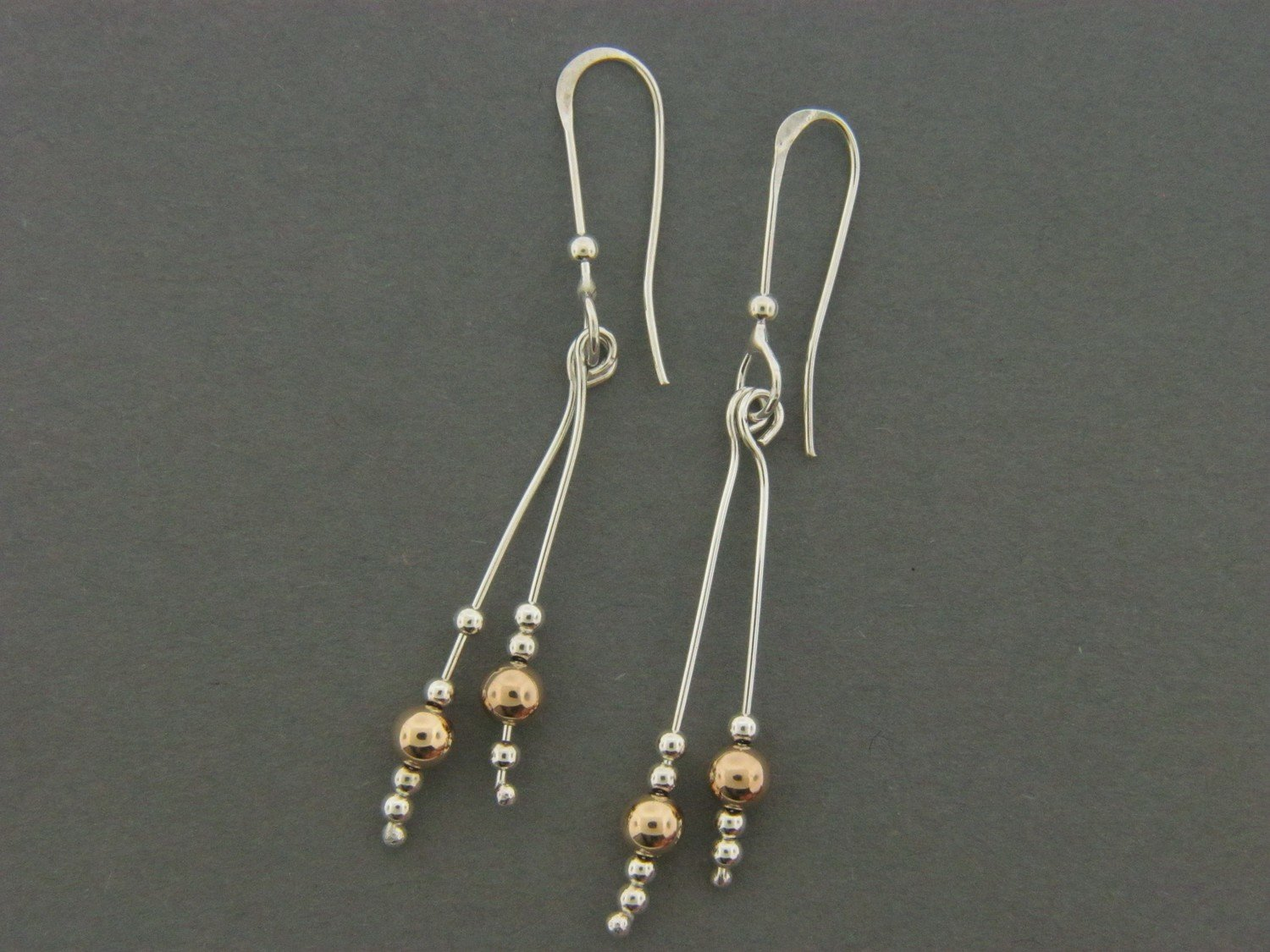 Light Bead Dangle w/Bead
