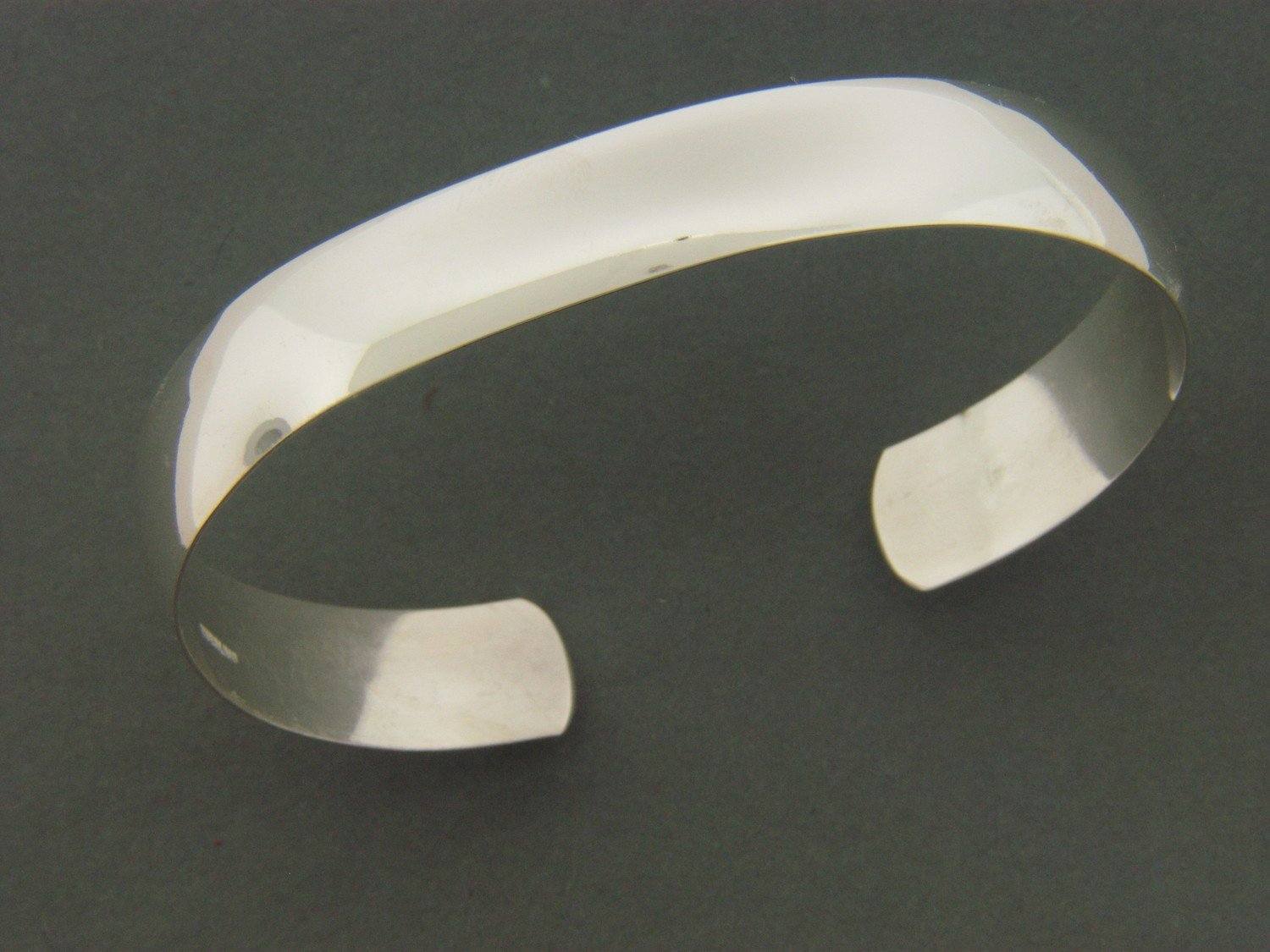 Wide 1/2 Round Cuff Smooth