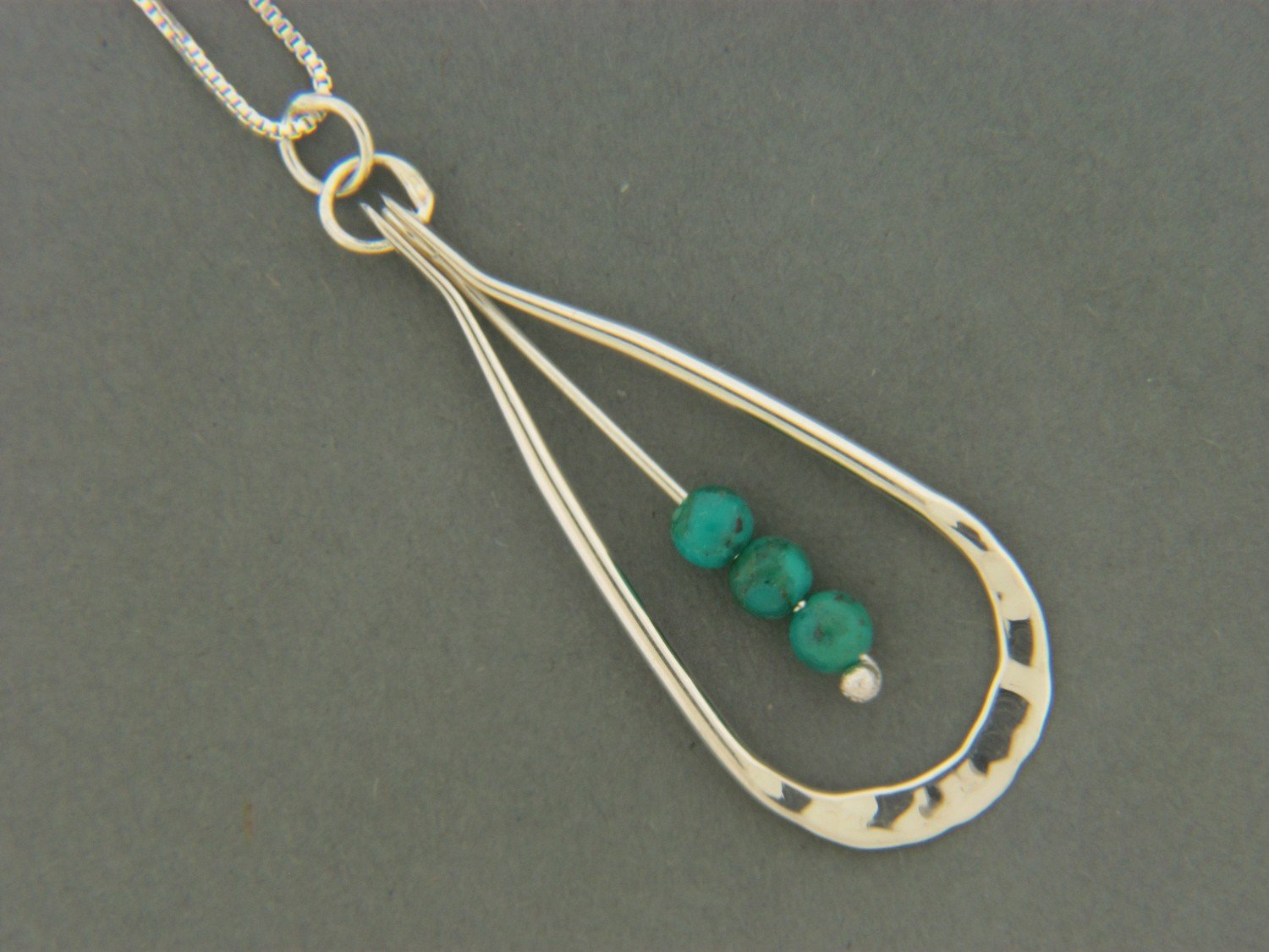 Collar Loop w/Bead Pendant