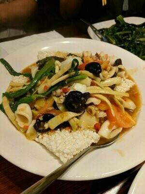 ZWCD【滋味成都】锅巴鲜椒鱿鱼 Squid with Crispy Rice Crust (晚餐不配饭)