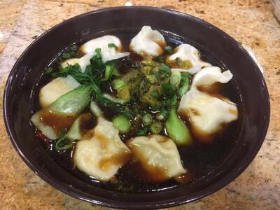 WJX【味佳香】牛肉汤饺 (猪肉水饺牛肉汤) (12 pcs)(每周一休息)