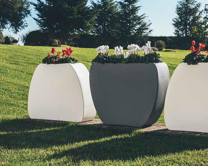 Vaso Cuore liscio moderno utilizzo in 2 versi 100x31xh80 cm in resina