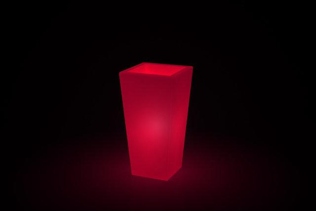 Vaso quadrato Adige luminoso h 105, 130 cm in resina