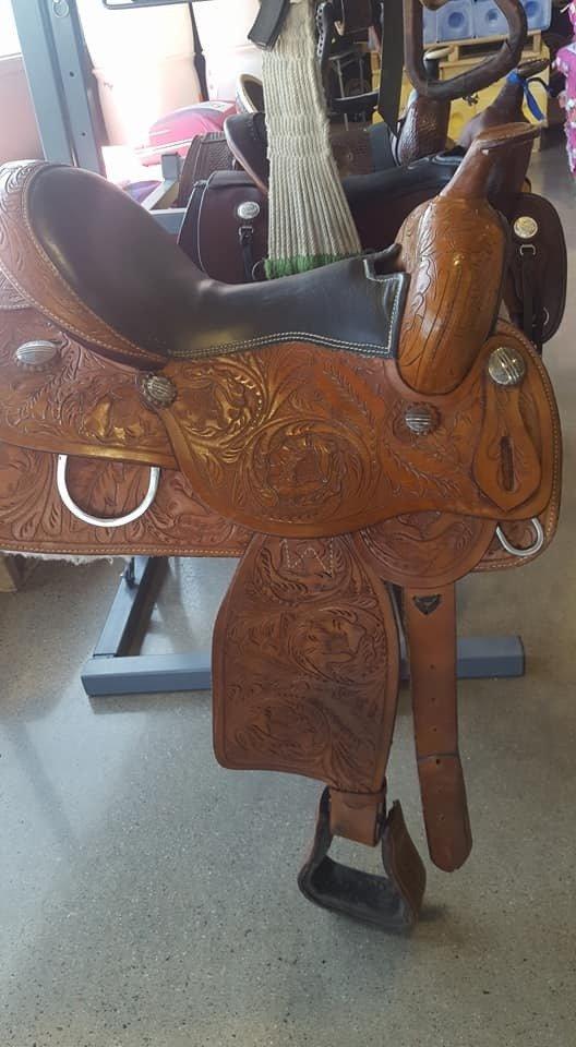 Floral Tooled Pleasure Saddle tg3