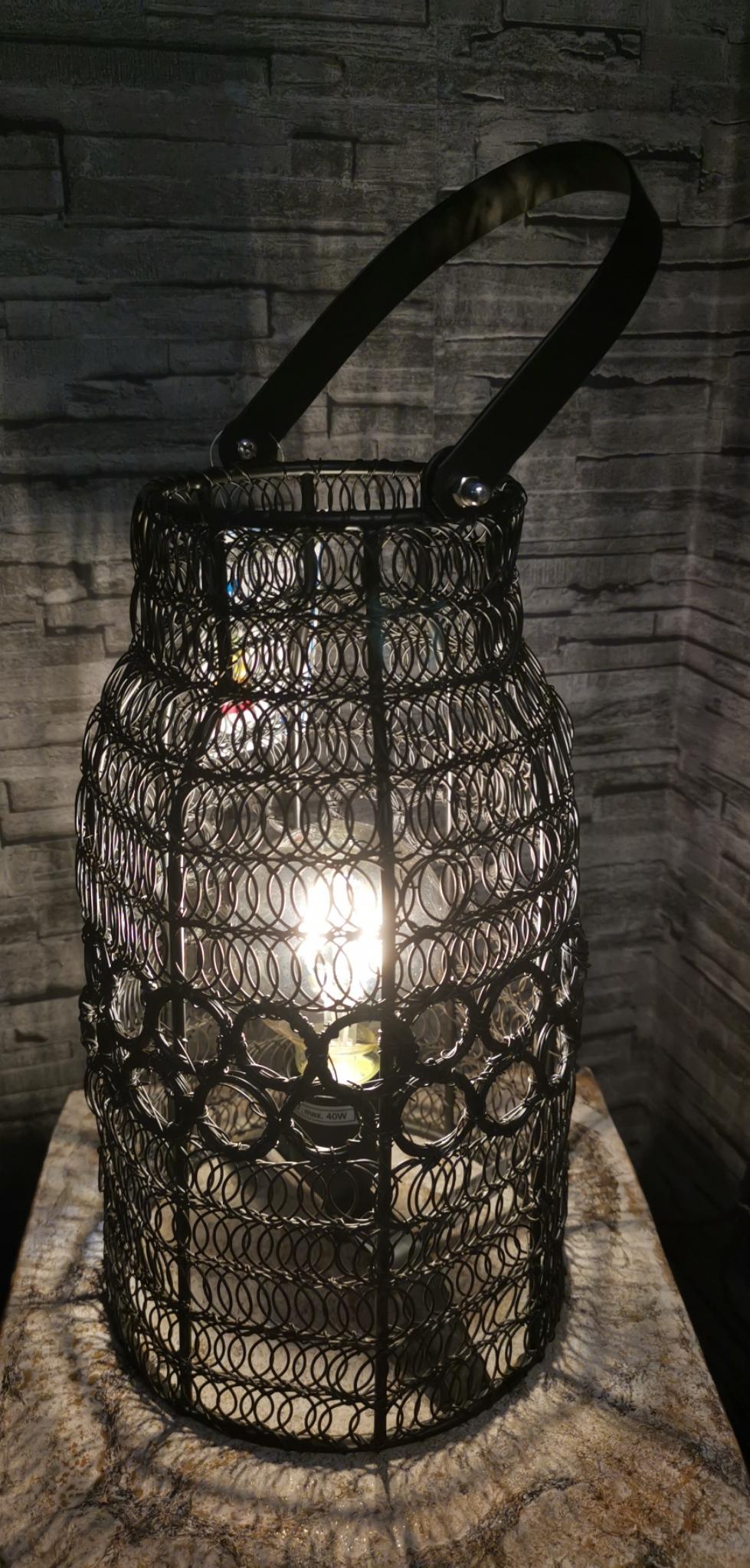 Metalen lamp met hengsel zwart