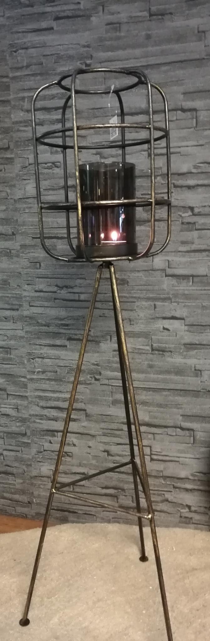 Lantaarn metaal,driepoot 01889