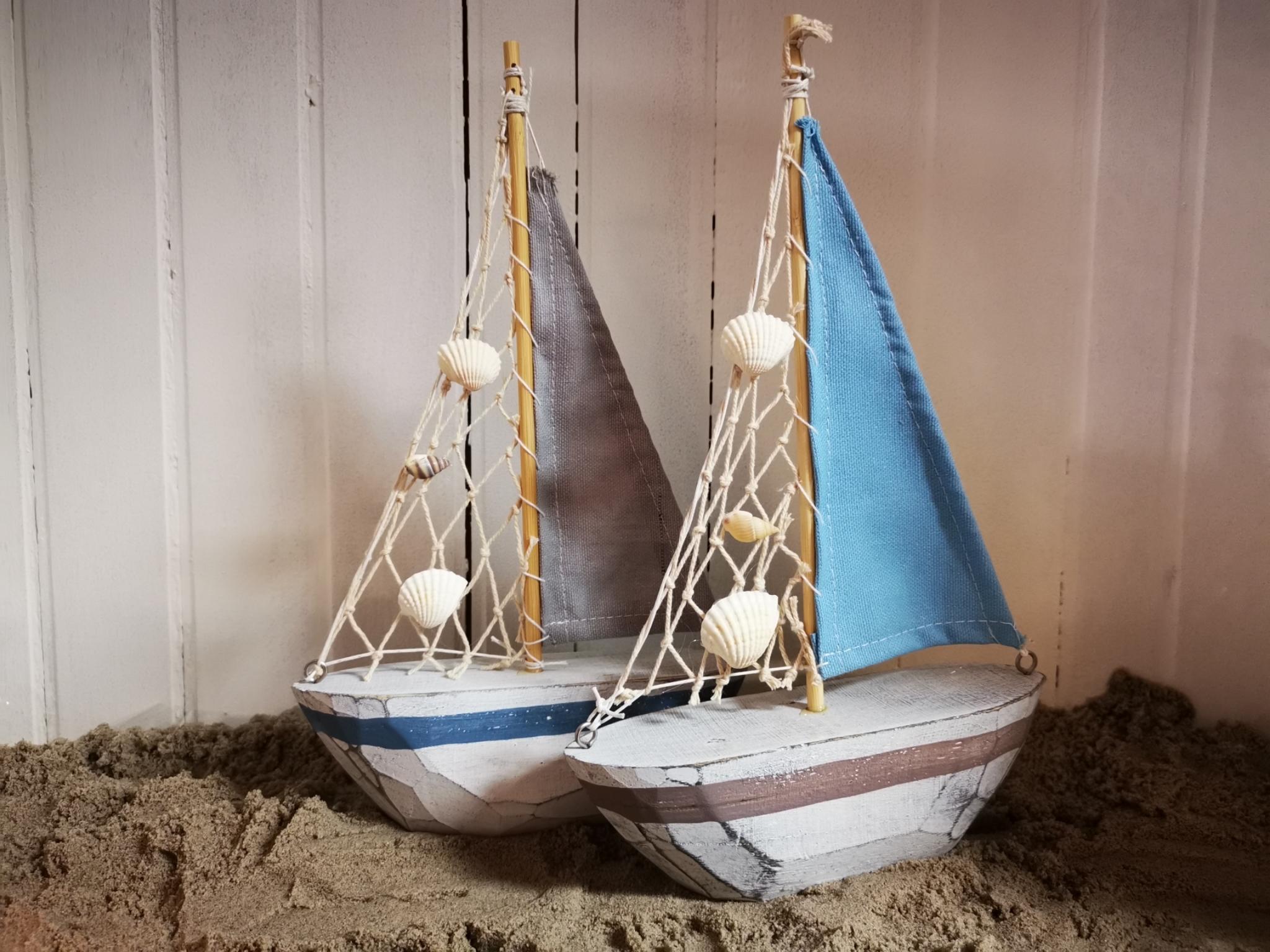 Houten zeilboot 01920