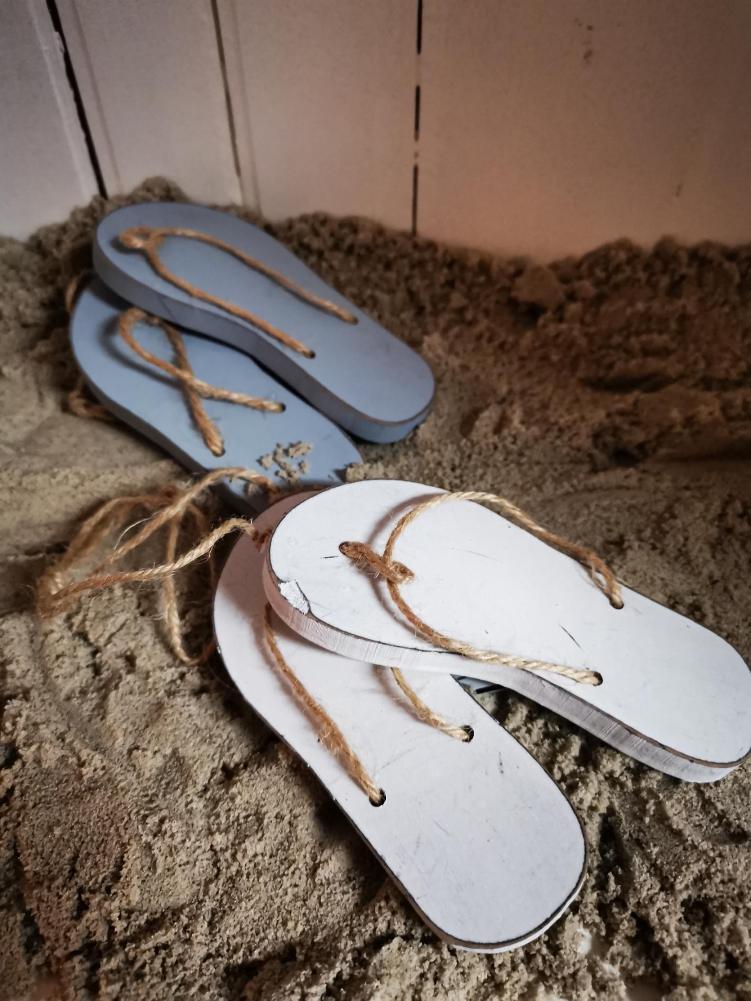 Flip-flops aan touw 01922